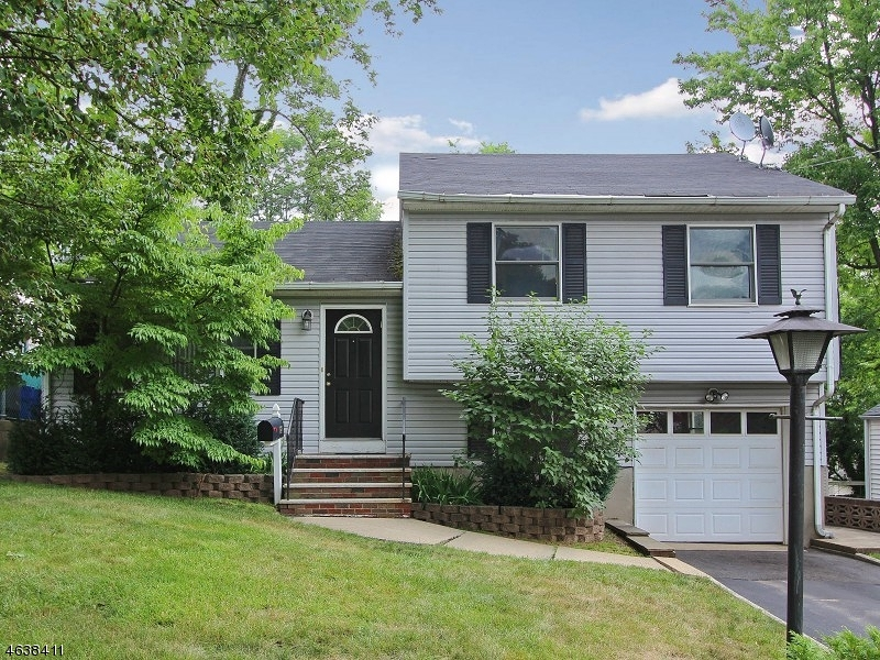 Casa Unifamiliar por un Venta en 187 MOUNTAINVIEW Avenue Scotch Plains, Nueva Jersey 07076 Estados Unidos