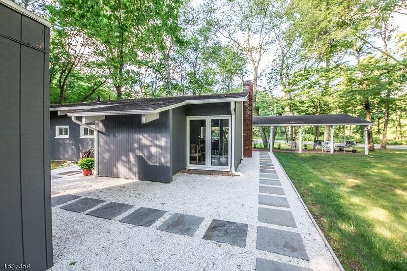 Additional photo for property listing at 142 James Street  Morristown, New Jersey 07960 États-Unis