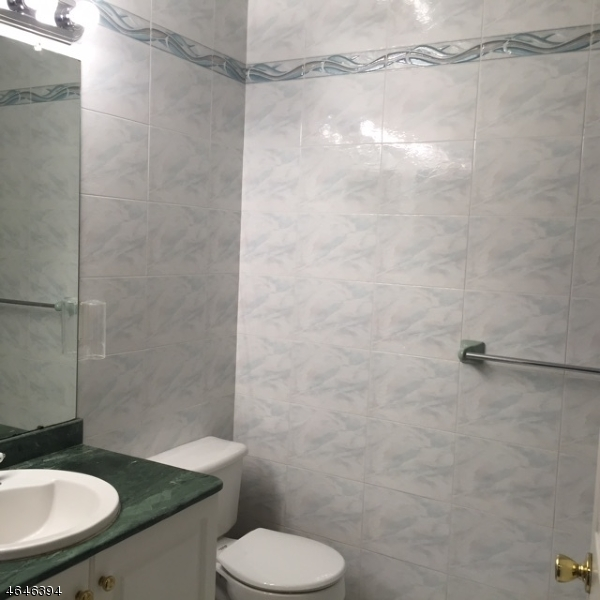 Additional photo for property listing at 1216 Hogan Drive  South Plainfield, Нью-Джерси 07080 Соединенные Штаты