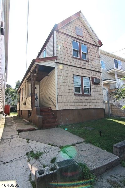 Additional photo for property listing at 942 Olive Street  Elizabeth, New Jersey 07201 États-Unis