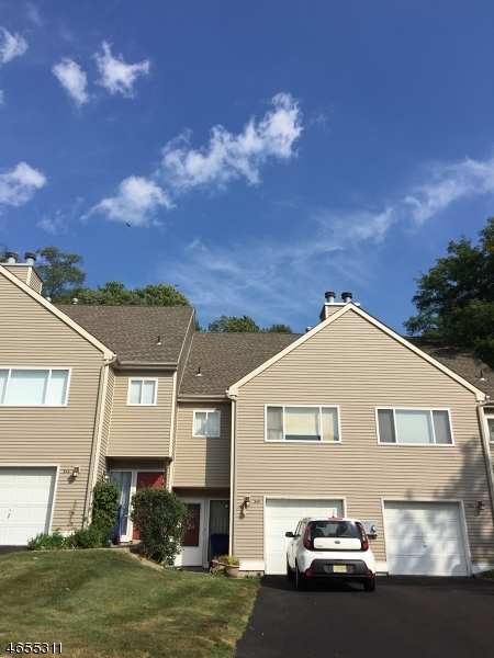Additional photo for property listing at 345 Falcon Ridge Way  Hamburg, New Jersey 07419 États-Unis