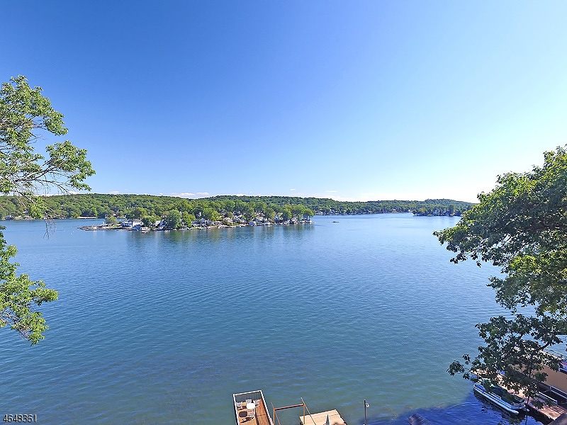 Additional photo for property listing at 231 Lakeside Blvd  Hopatcong, New Jersey 07843 États-Unis