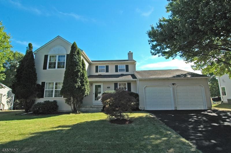 Частный односемейный дом для того Продажа на 73 Choctaw Ridge Road Somerville, Нью-Джерси 08876 Соединенные Штаты