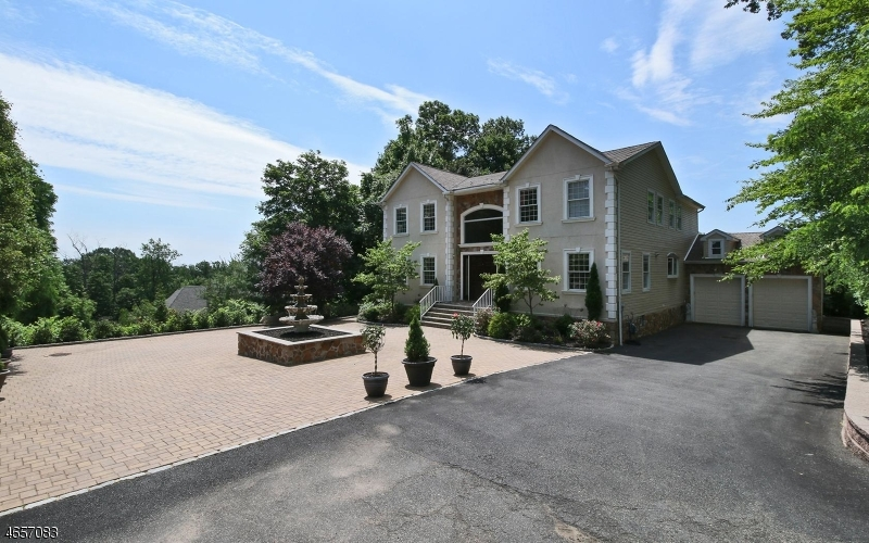 Additional photo for property listing at 24 Murray Street  West Orange, New Jersey 07052 États-Unis