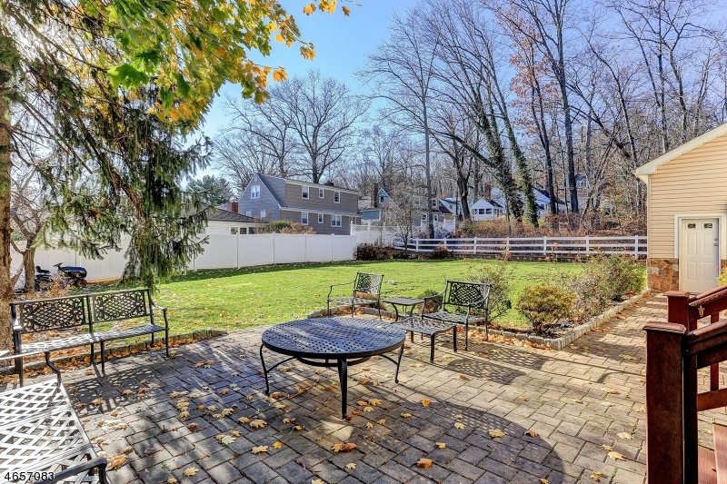 Additional photo for property listing at 24 Murray Street  West Orange, Nueva Jersey 07052 Estados Unidos