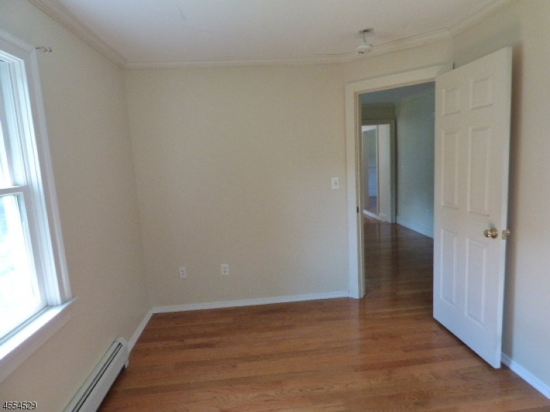 Additional photo for property listing at 85 Mansel Drive  Landing, New Jersey 07850 États-Unis