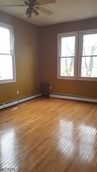 独户住宅 为 出租 在 283 Columbia Avenue 泽西城, 07307 美国