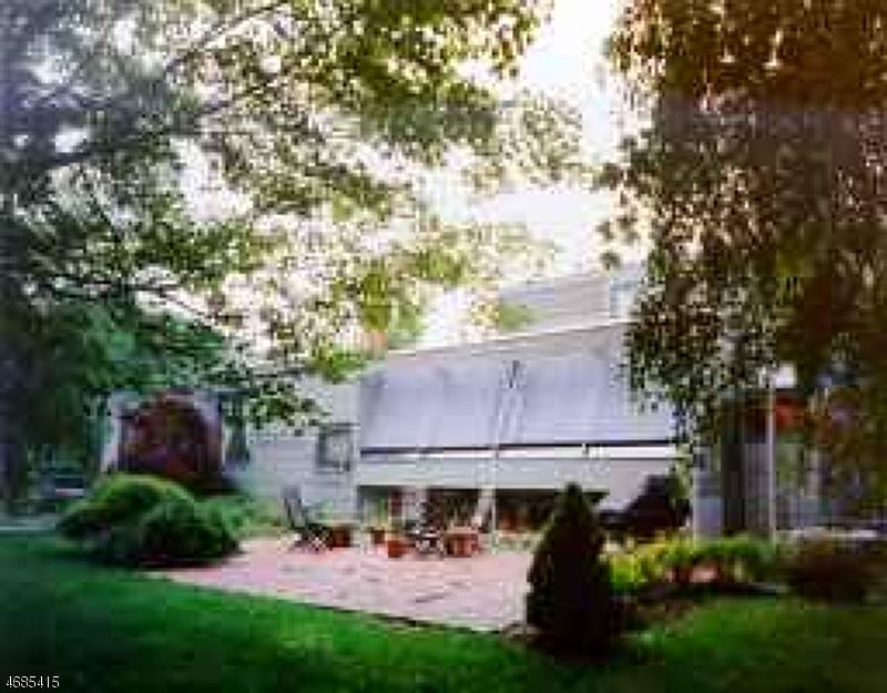 Частный односемейный дом для того Продажа на 132 Newton Sparta Road Andover, 07860 Соединенные Штаты