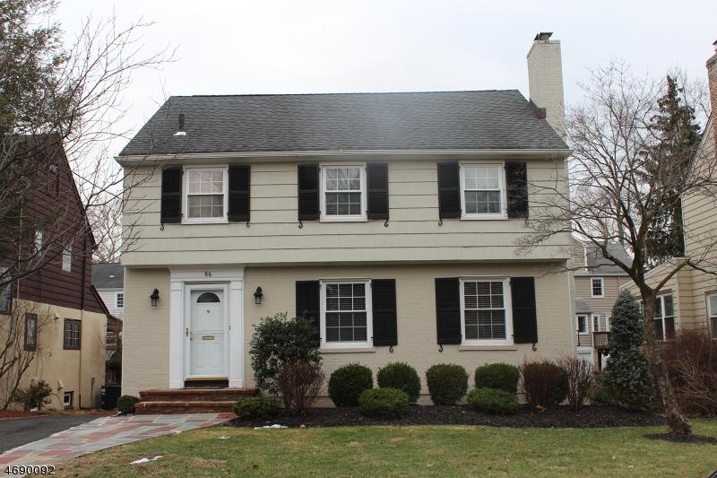 Частный односемейный дом для того Продажа на 86 Greenwood Drive Millburn, 07041 Соединенные Штаты