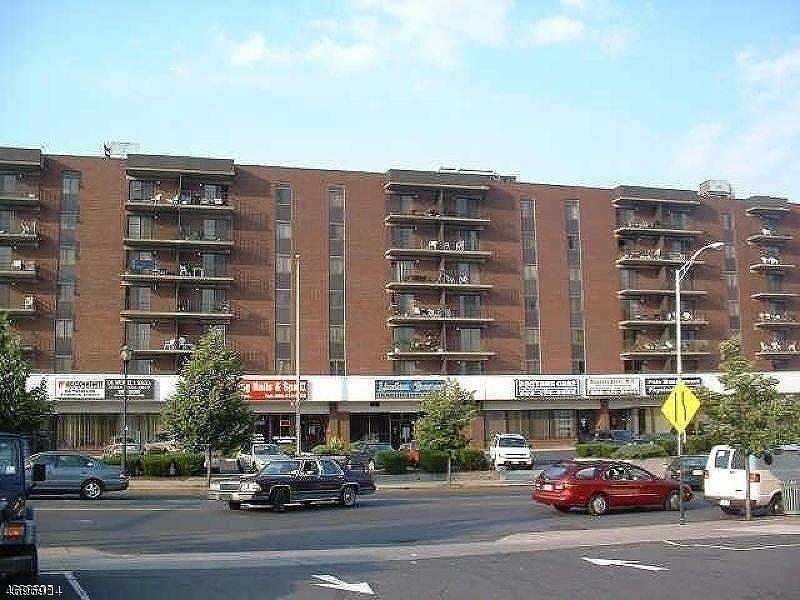 Частный односемейный дом для того Аренда на Address Not Available Linden, Нью-Джерси 07036 Соединенные Штаты