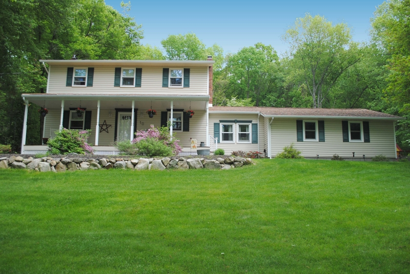 Maison unifamiliale pour l Vente à 10 Tamarack Road Belvidere, New Jersey 07823 États-Unis