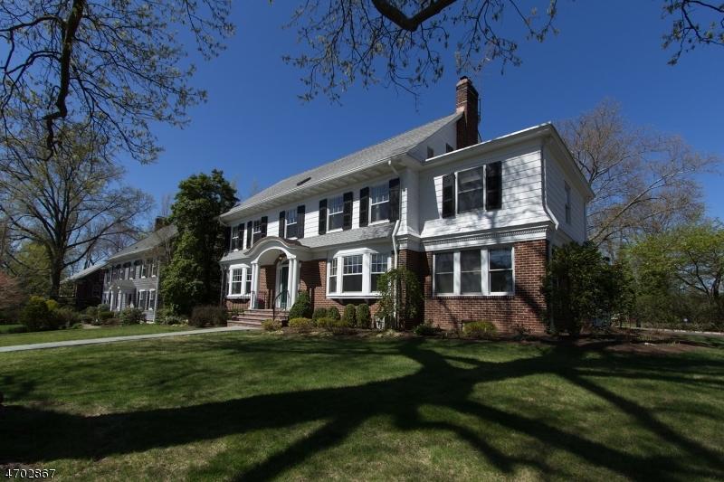 独户住宅 为 销售 在 195 Charlton Avenue 南奥林奇, 07079 美国