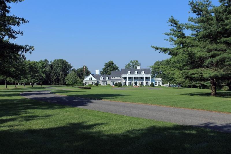 Частный односемейный дом для того Продажа на 2031 LARGER CROSS Road Bedminster, Нью-Джерси 07934 Соединенные Штаты