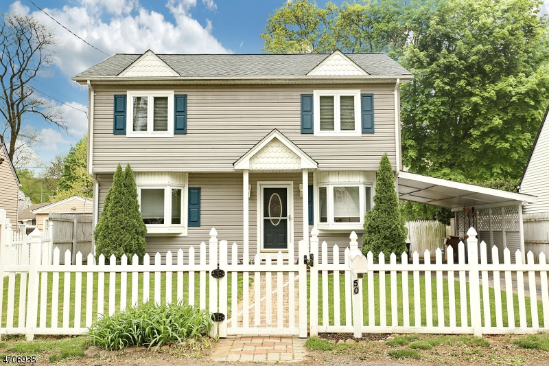 Single Family Home for Sale at 50 Burnside Place Wanaque, New Jersey 07420 United States
