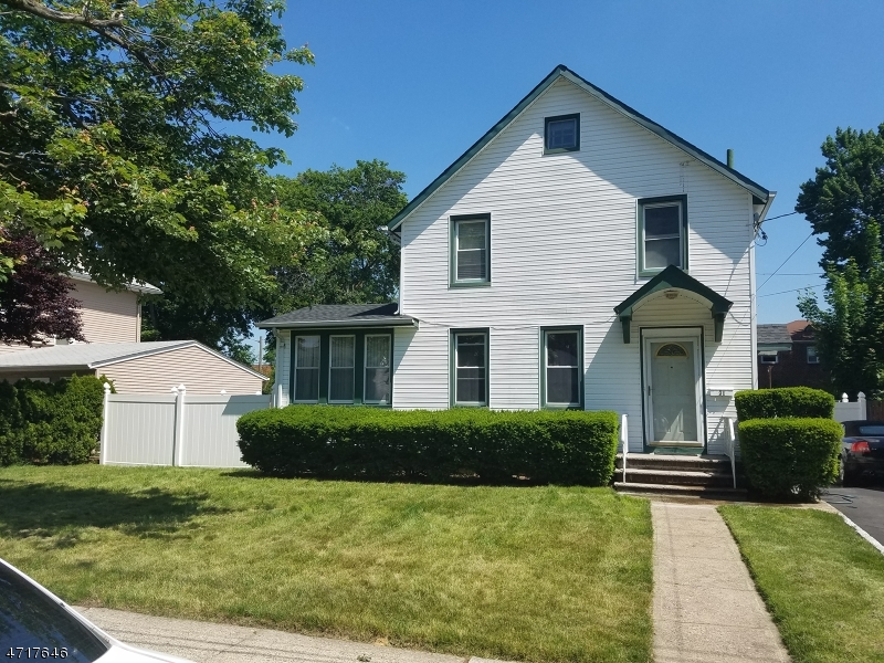 Single Family Home for Sale at 31 Lilac Street Bergenfield, New Jersey 07621 United States