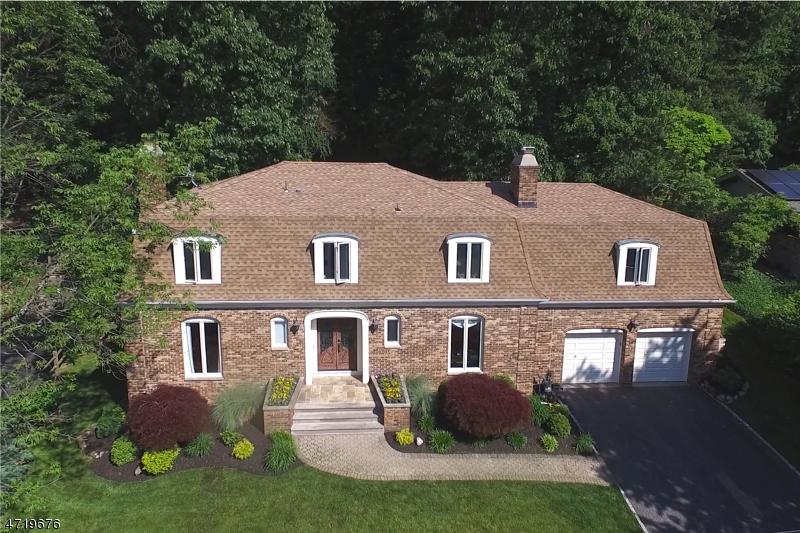 Casa Unifamiliar por un Alquiler en 1131 Ridge Drive Mountainside, Nueva Jersey 07092 Estados Unidos