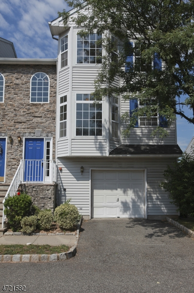 Single Family Home for Rent at 1727 Essex St, UNIT 601 Rahway, New Jersey 07065 United States