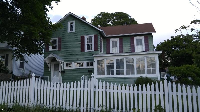 Maison avec plusieurs logements pour l Vente à 29 Walnut Street Sussex, New Jersey 07461 États-Unis
