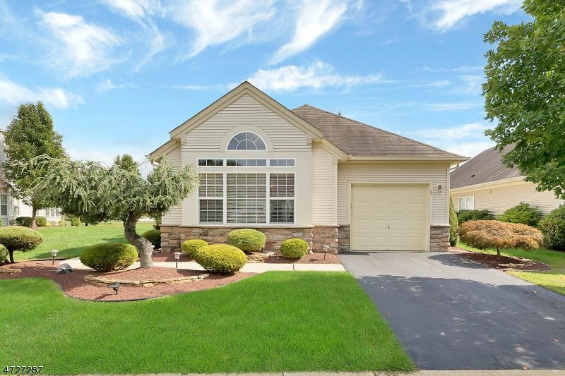 Maison unifamiliale pour l Vente à 27 Arcadia Drive Manchester, New Jersey 08759 États-Unis