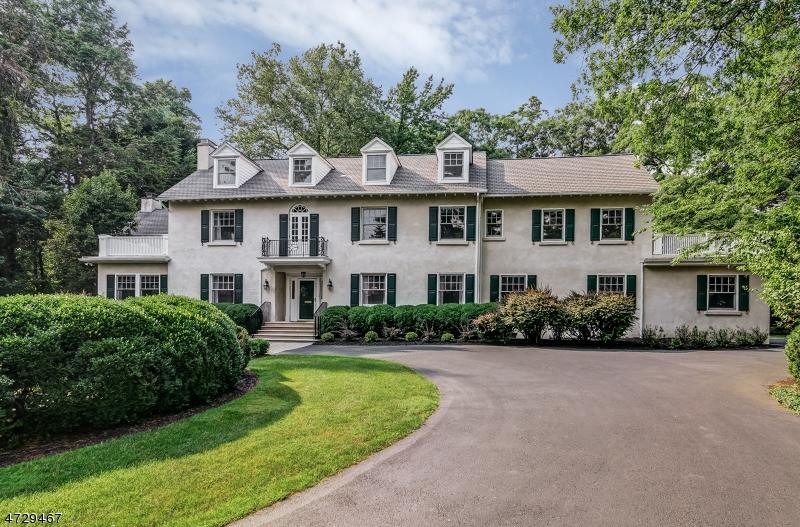 Частный односемейный дом для того Продажа на 88 Birch Lane Millburn, 07078 Соединенные Штаты