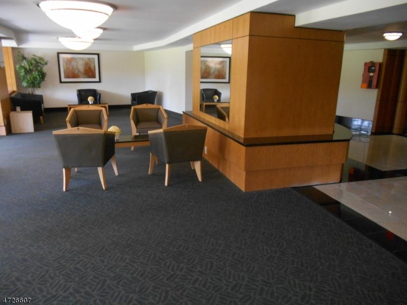Maison unifamiliale pour l à louer à 377 S Harrison Street East Orange, New Jersey 07018 États-Unis