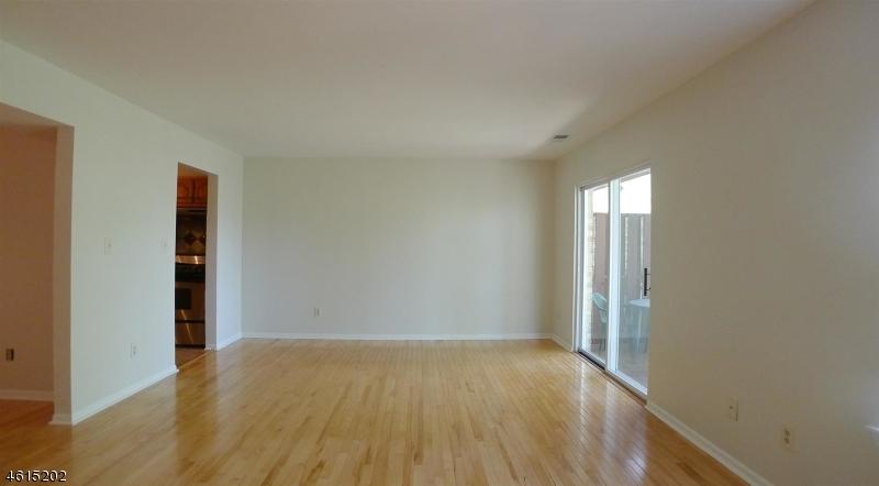 Casa Unifamiliar por un Alquiler en 263 Vista Drive Cedar Knolls, Nueva Jersey 07927 Estados Unidos
