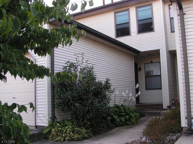 Частный односемейный дом для того Аренда на 235 Spruce Court Raritan, Нью-Джерси 08822 Соединенные Штаты