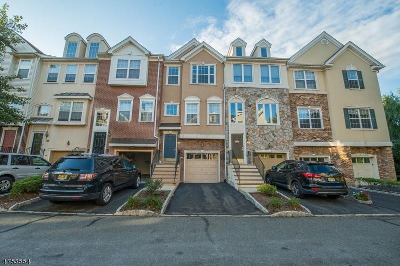 一戸建て のために 売買 アット 54 Devonshire Drive 54 Devonshire Drive Clifton, ニュージャージー 07013 アメリカ合衆国