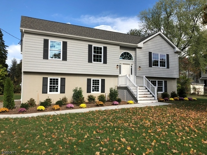 Casa Unifamiliar por un Venta en 242 CONKLINTOWN Road Wanaque, Nueva Jersey 07465 Estados Unidos