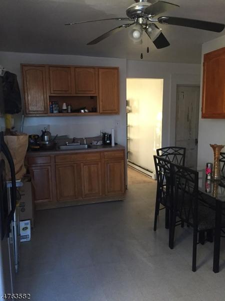 Mehrfamilienhaus für Verkauf beim 244 Sanford Street 244 Sanford Street East Orange, New Jersey 07018 Vereinigte Staaten