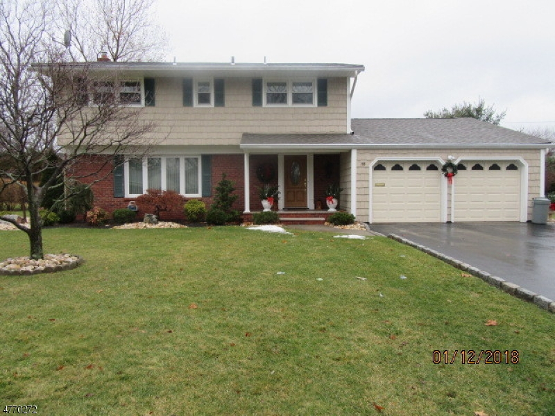 Single Family Home for Sale at 166 Stonehenge Ter 166 Stonehenge Ter Clark, New Jersey 07066 United States