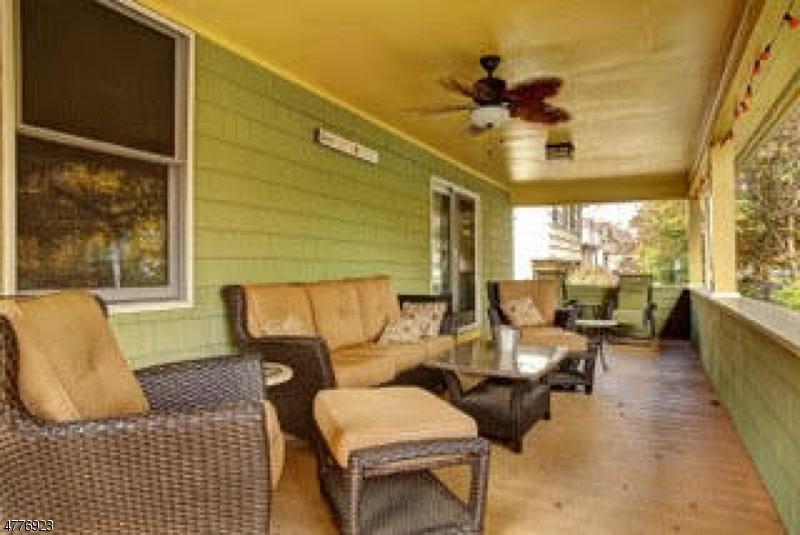 獨棟家庭住宅 為 出售 在 18 Stiles Avenue 18 Stiles Avenue Morris Plains, 新澤西州 07950 美國
