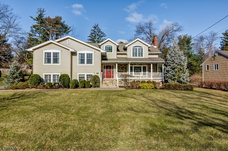 Single Family Home for Sale at 26 Gallinson Drive Berkeley Heights, New Jersey 07922 United States