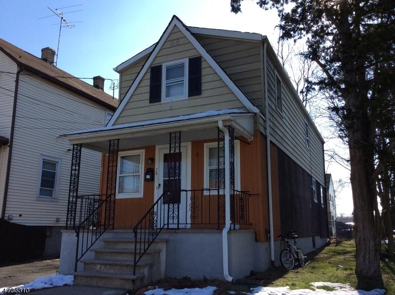 Casa Multifamiliar por un Venta en 76-78 Huff Avenue Manville, Nueva Jersey 08835 Estados Unidos