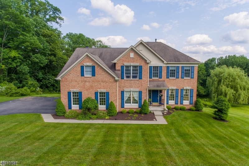 独户住宅 为 销售 在 34 OLD SCHOOLHOUSE Road 阿斯伯里, 新泽西州 08802 美国