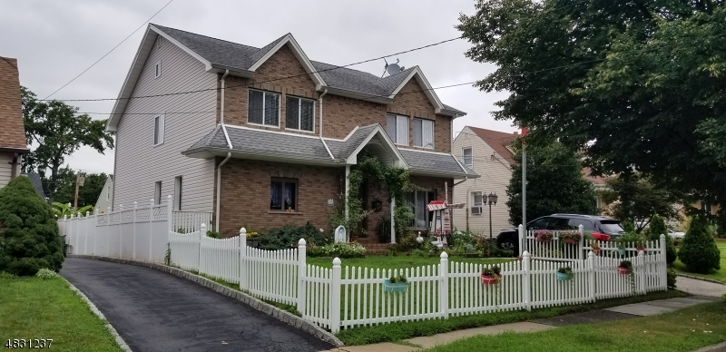 Частный односемейный дом для того Продажа на 820 ERCAMA Street Linden, Нью-Джерси 07036 Соединенные Штаты