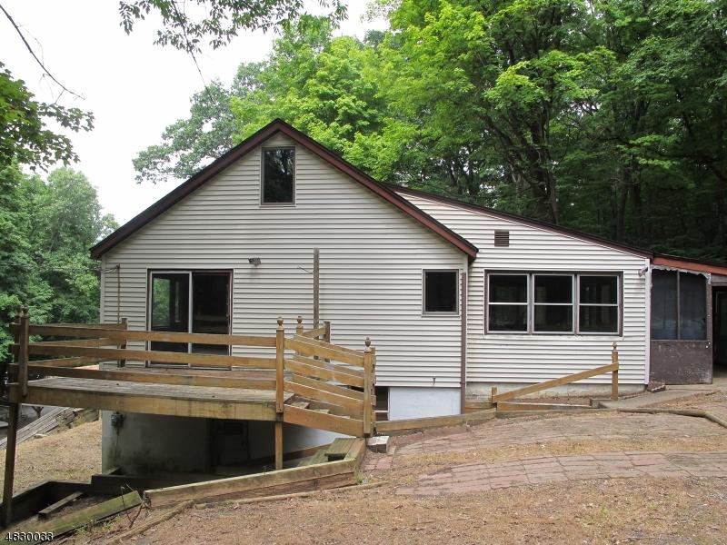 Enfamiljshus för Försäljning vid 5 SQUIRREL Road Andover, New Jersey 07860 Förenta staterna