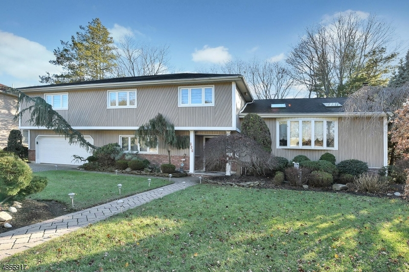 Single Family Home for Sale at 217 BEECHWOOD RD 217 BEECHWOOD RD Oradell, New Jersey 07649 United States