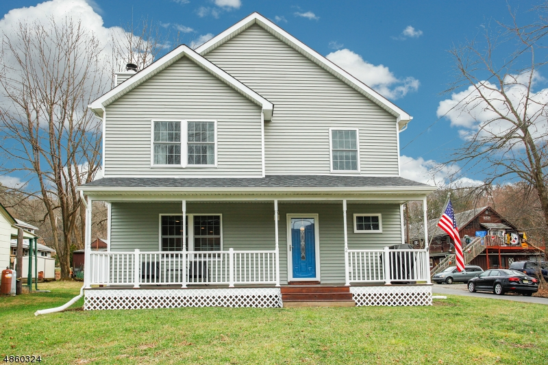 Single Family Home for Sale at 2 APPLE Drive Liberty Township, New Jersey 07823 United States
