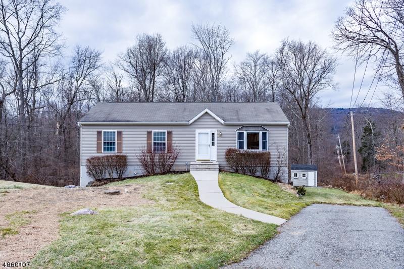 独户住宅 为 销售 在 37 TINTLE Avenue 西米尔福德, 新泽西州 07480 美国