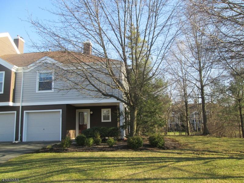 Condo / Townhouse pour l à louer à 240 LONGVIEW Road Bridgewater, New Jersey 08807 États-Unis