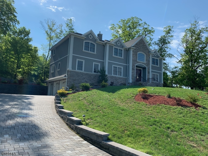 Single Family Home for Sale at 5 MASSOLA DR Wayne, New Jersey 07470 United States