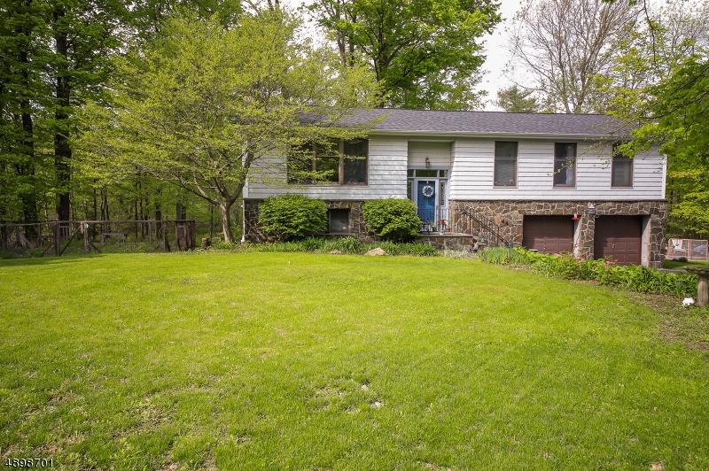 Villa per Vendita alle ore West Milford, New Jersey 07421 Stati Uniti