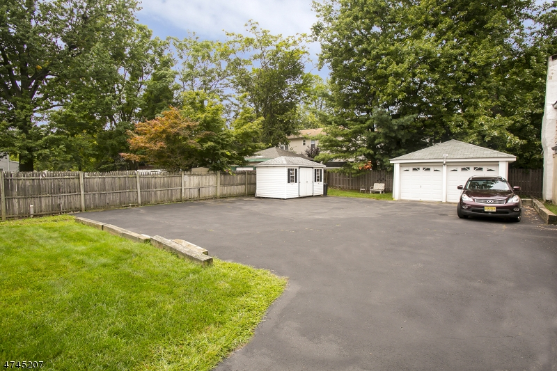 Additional photo for property listing at  Montclair, Nova Jersey 07042 Estados Unidos
