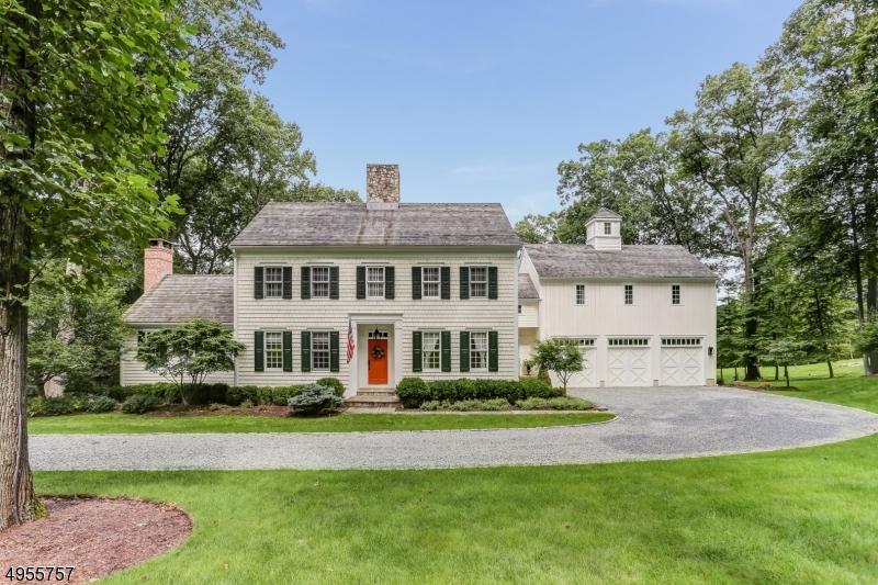 Single Family Homes por un Venta en 6 RED OAK ROW Chester, Nueva Jersey 07930 Estados Unidos
