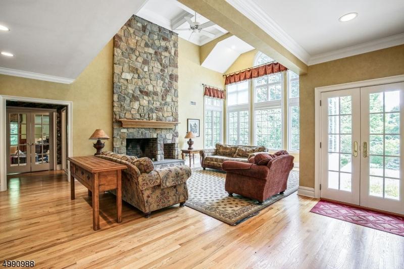 Single Family Homes pour l Vente à Chester, New Jersey 07930 États-Unis