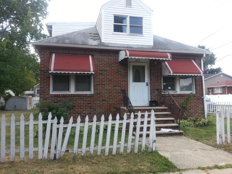 Casa Unifamiliar por un Venta en 819 Carnegie Street Linden, Nueva Jersey 07036 Estados Unidos