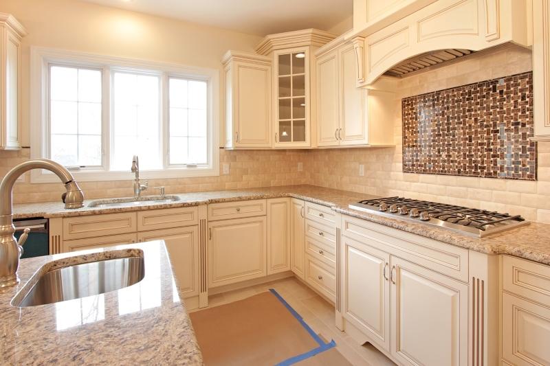 Additional photo for property listing at 72 Eileen Drive  Cedar Grove, Нью-Джерси 07009 Соединенные Штаты