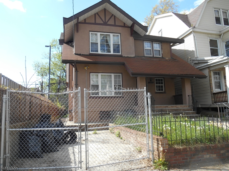 Additional photo for property listing at 1059 Hunterdon Street  Newark, New Jersey 07112 United States
