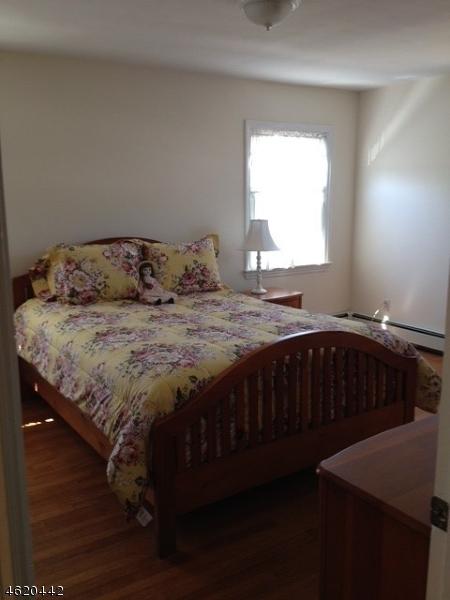 Additional photo for property listing at 221 Elmwood Ter  Linden, New Jersey 07036 États-Unis